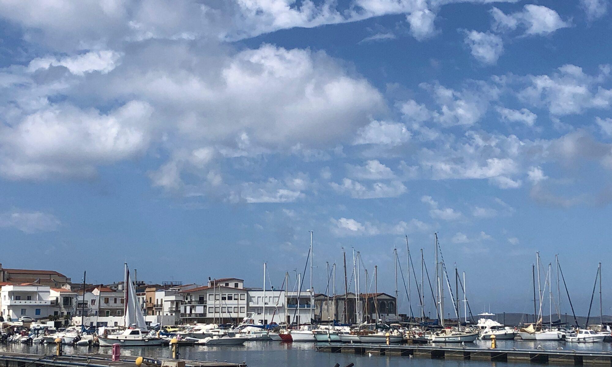 Eine mögliche erste Adresse: der Hafen von Calasetta auf der Insel Sant'Antioco